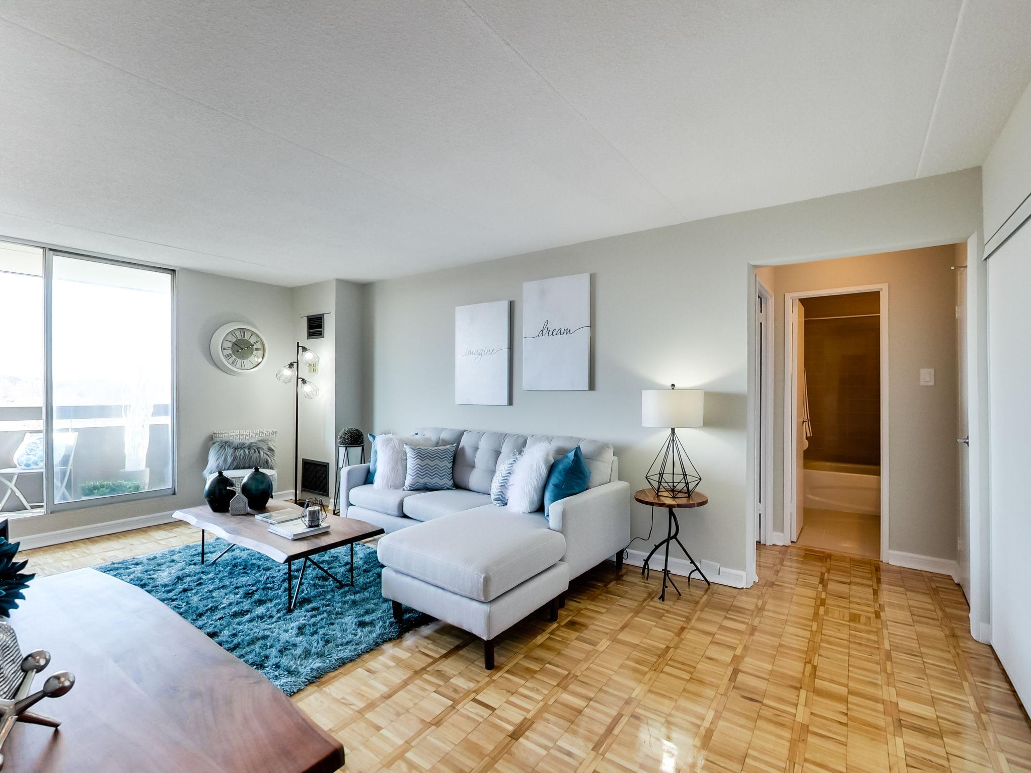 Apartment For Rent At 2150 Bromsgrove Road Southdown Rd Royal Windsor Dr O Shanter Development Company Ltd