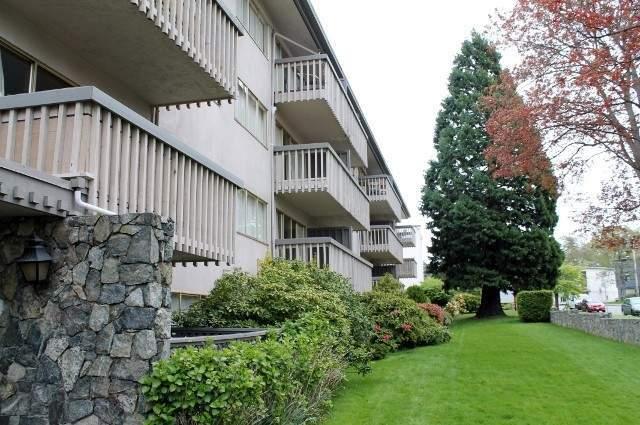 Roberts Manor Apartments