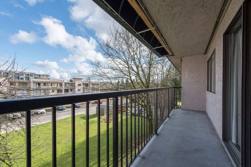 Maple Manor Apartments