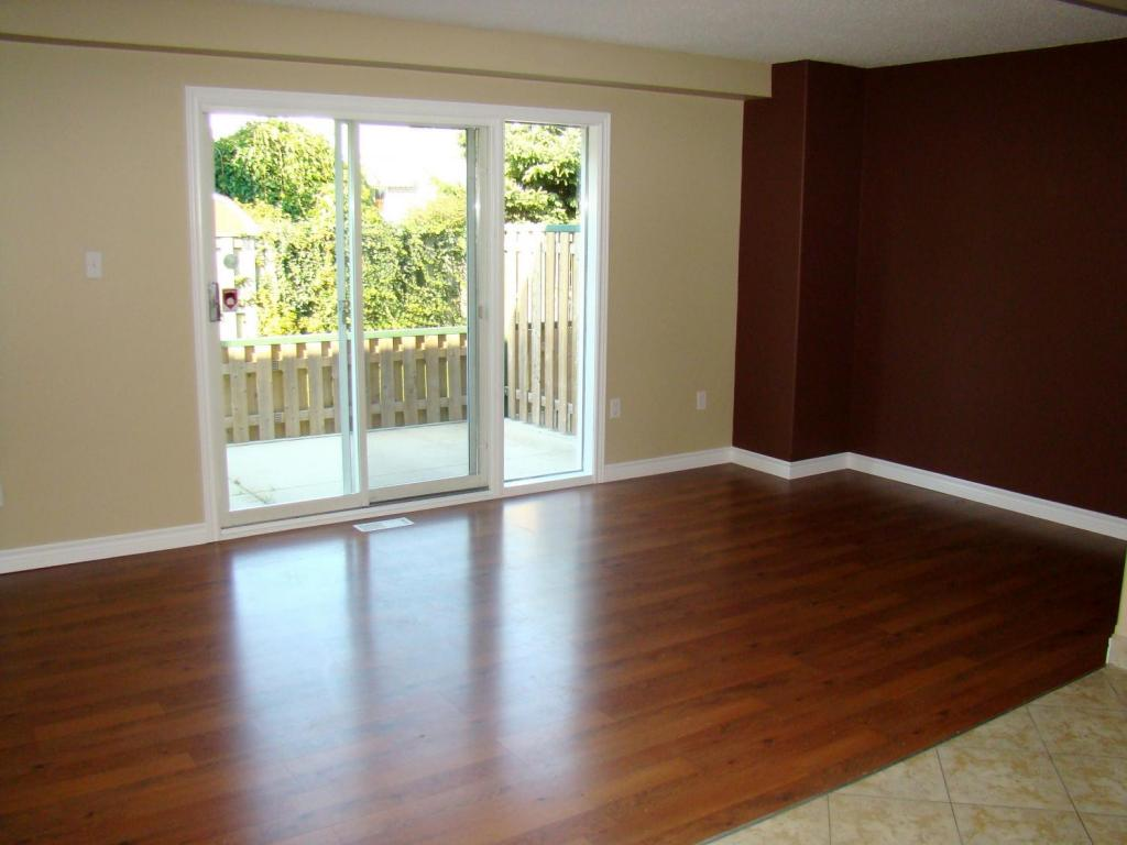 Niagara Falls Townhouse for rent, click for more details...