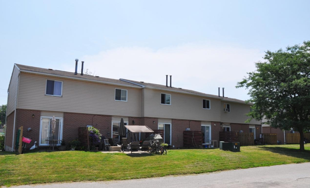 Wallaceburg Townhouse for rent, click for more details...