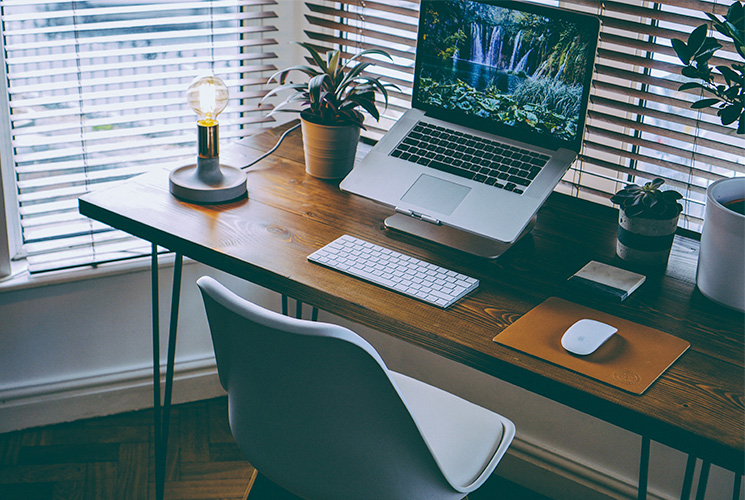 Post Image: Work from Home: How to Set Up a Home Office in Your Apartment
