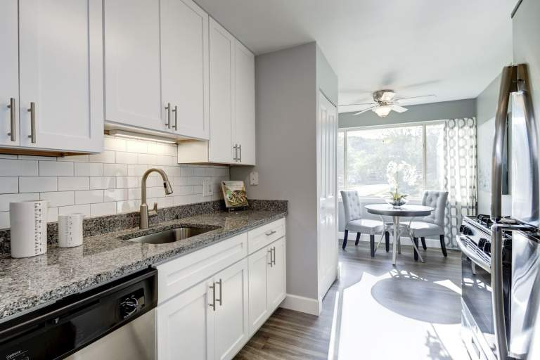 Newly renovated 1, 2, and 3 bedroom apartments in Parkville at Satyr Hill