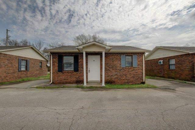 404 Thompsonville Lane Apartments Oak Grove, KY