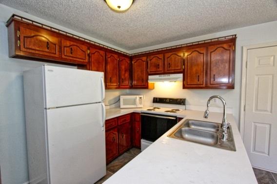 284 Golden Pond Avenue Oak Grove, KY