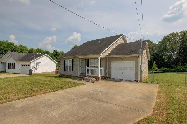 435 Cranklen Circle Clarksville, TN