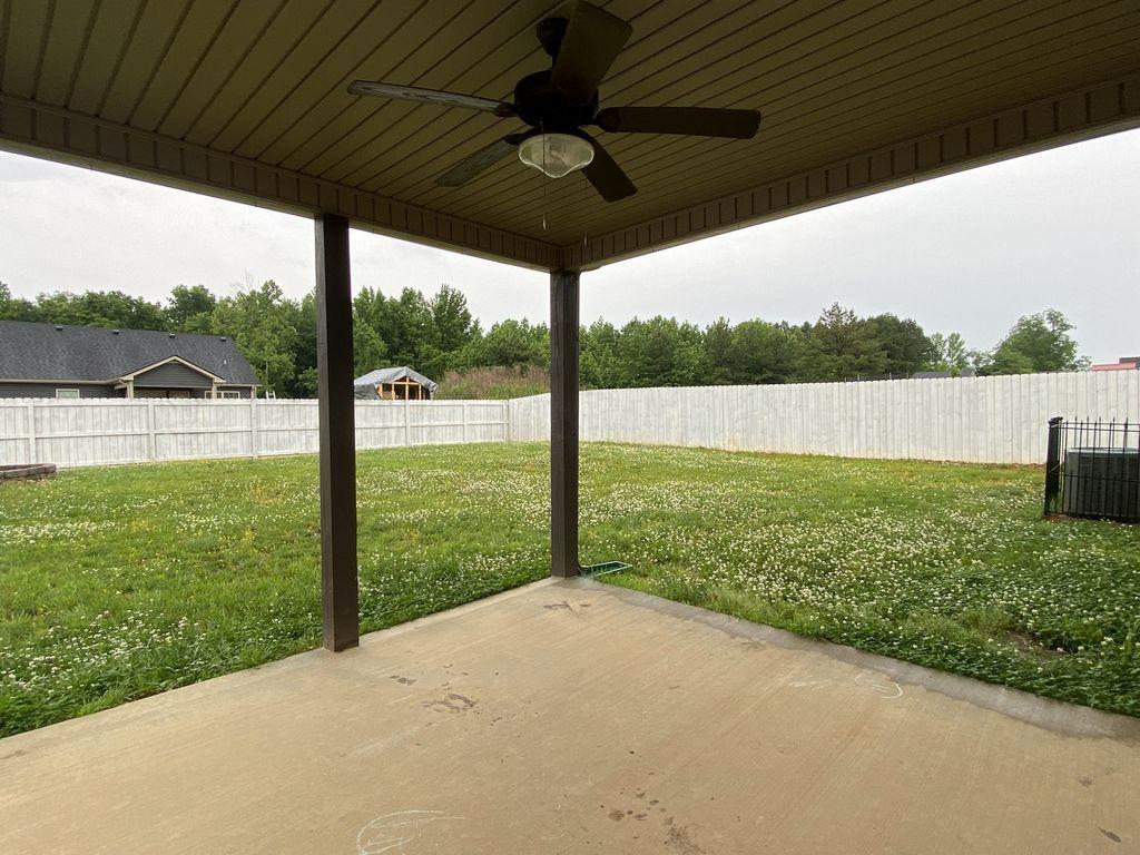 607 Hollow Crest Clarksville, TN