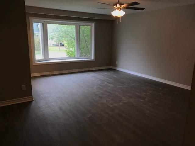 Barrie Duplex pour le loyer, cliquer pour plus de détails...