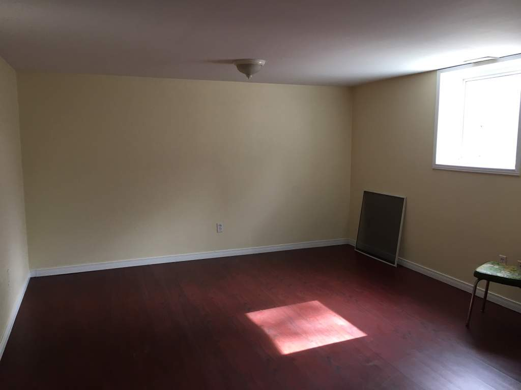 Barrie Triplex for rent, click for more details...