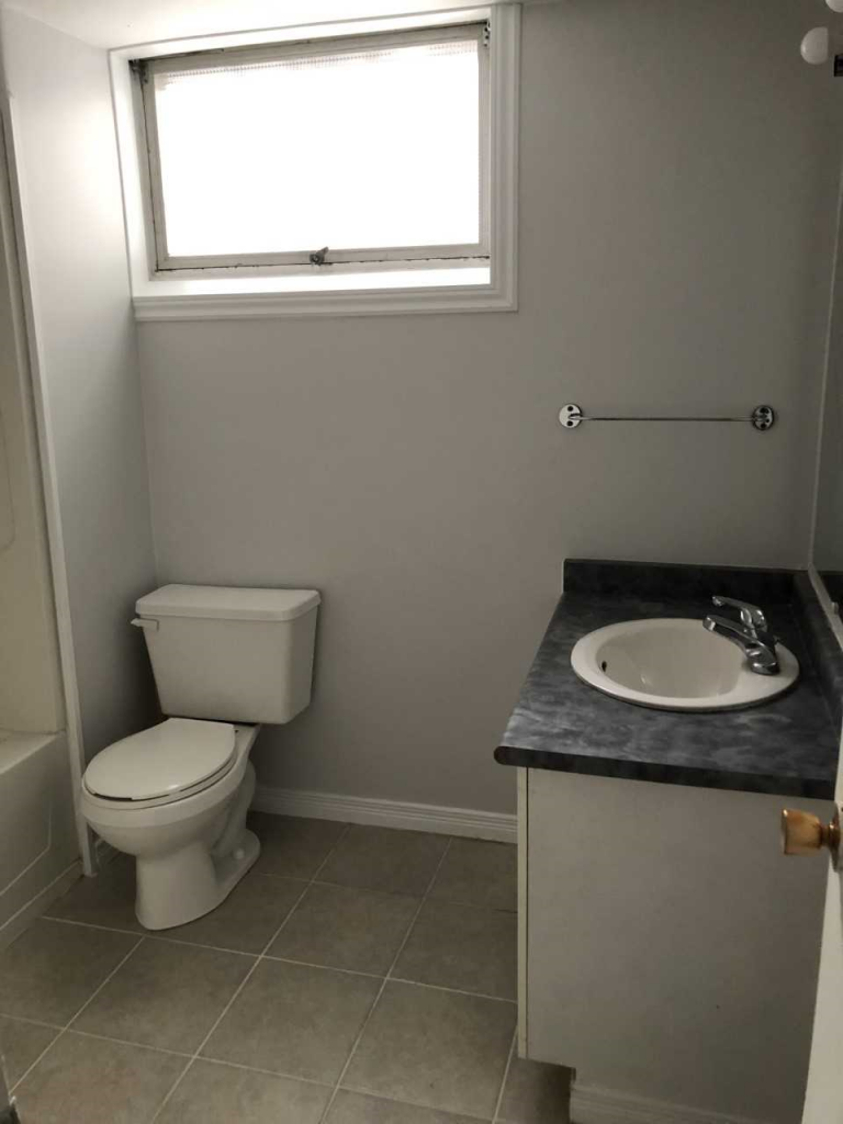 Barrie Duplex for rent, click for more details...