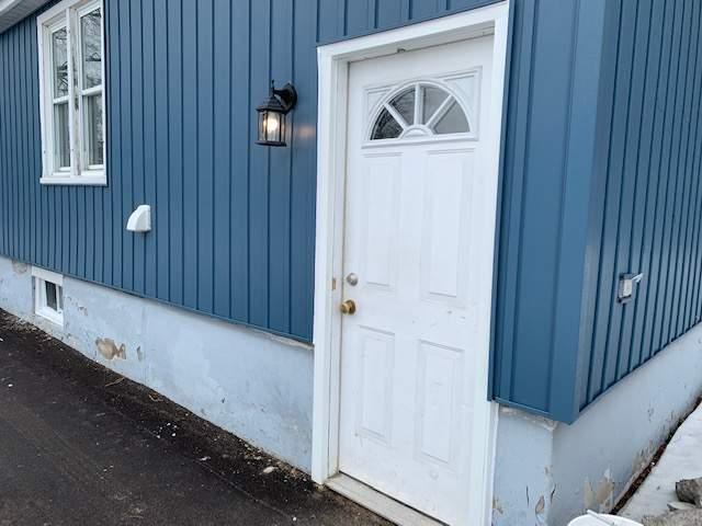 Side door entrance