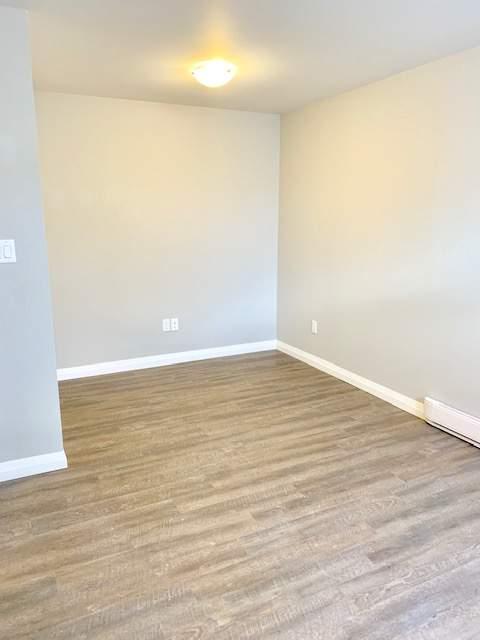 Living Room 2 Bedroom bsmt