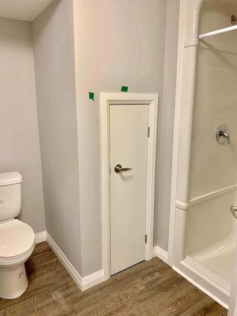 Bathroom 1 bedroom bsmt