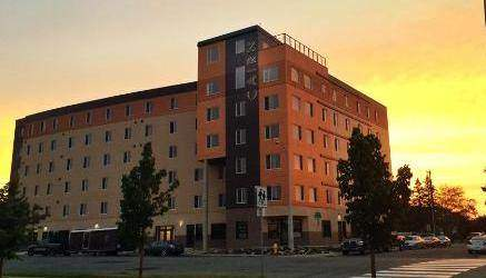 Carin on the Boulevard - Affordable Bachelor Suites **1ST MONTH RENT FREE**