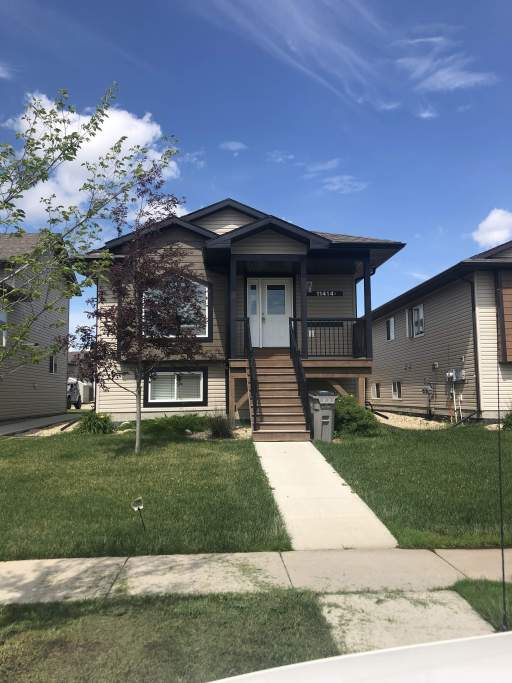 11414B 73 Avenue - Upper Duplex - Option for Fully Furnished **50% OFF 1ST MONTH'S RENT**