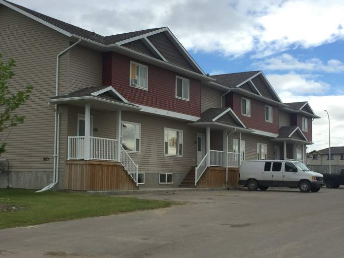 #204, 9201 92A Street - Fully Furnished