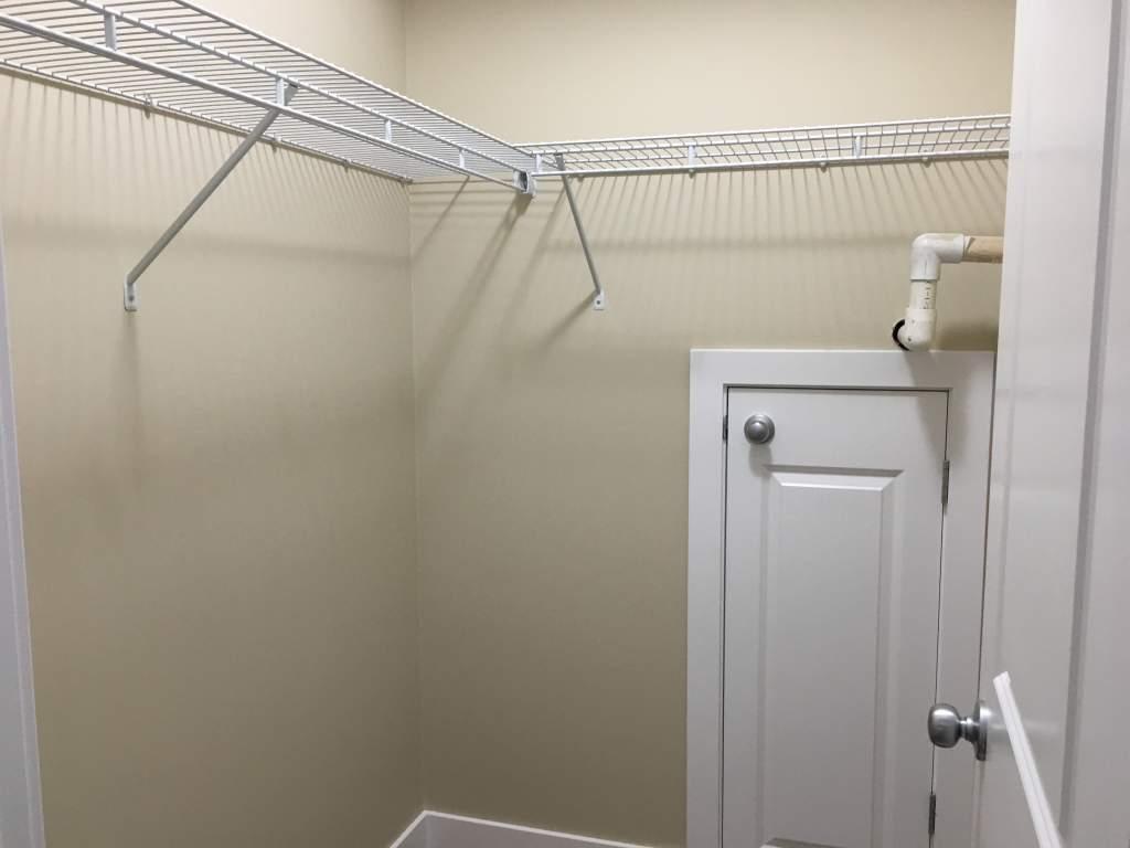 9217 93 Avenue - Lower Pet Friendly Suite