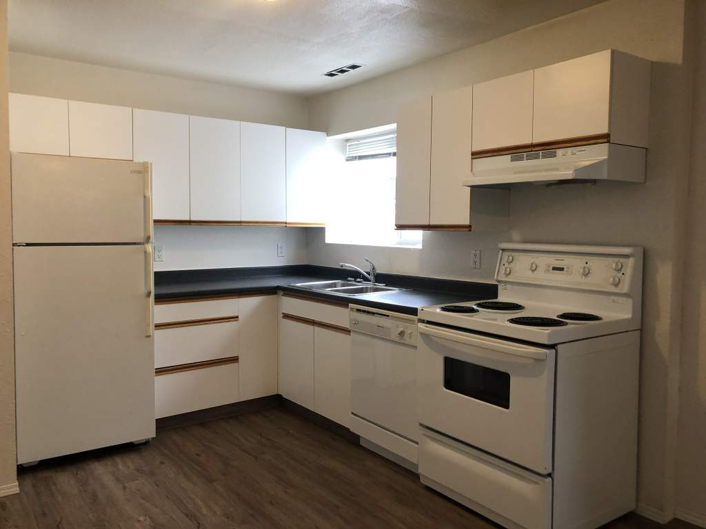 9216 94A Avenue, INCLUDING ALL UTILITIES!
