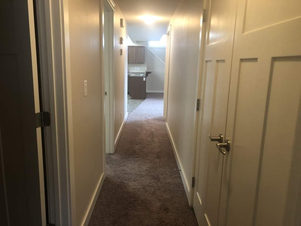 11557A - 77 Avenue - Lower Duplex