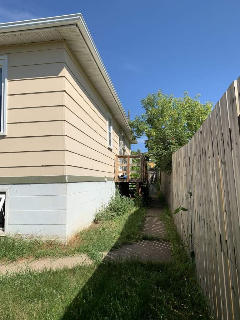 PEACE RIVER - 9409 98 Street - Lower Duplex
