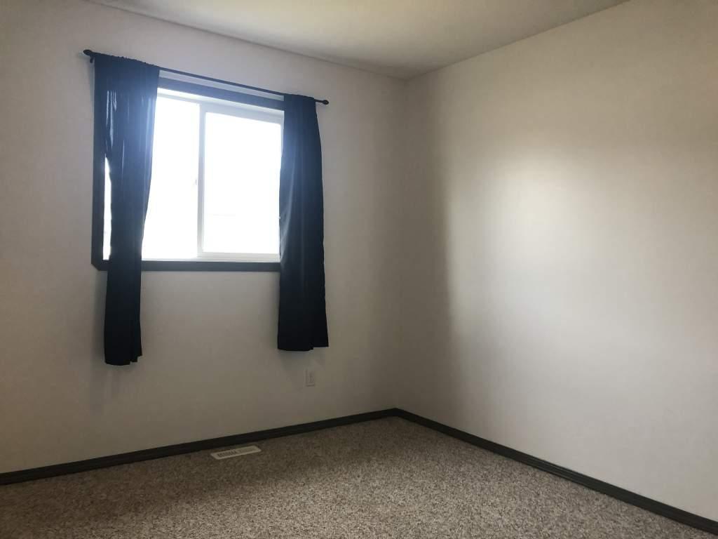 220, 10150 121 Avenue - Chelsea Villas