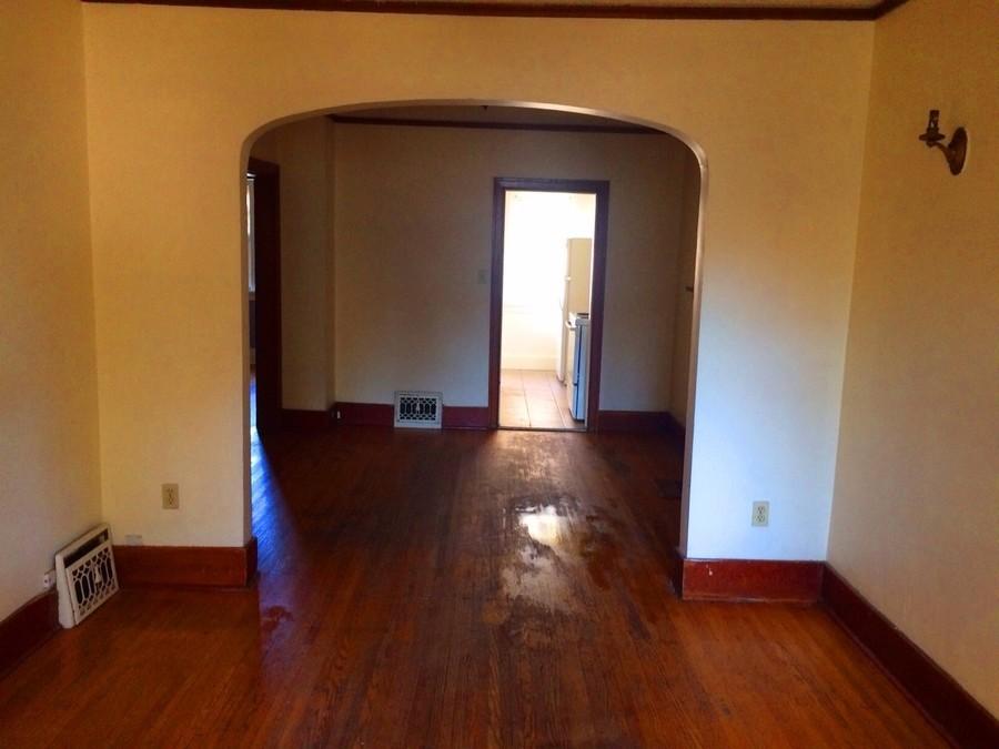 Regina House for rent, click for more details...