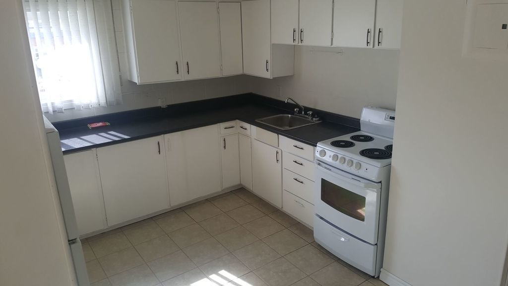 Outlook Apartment for rent, click for more details...