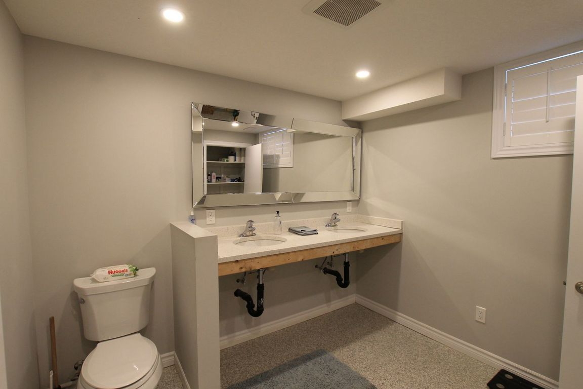 Guelph Duplex for rent, click for more details...