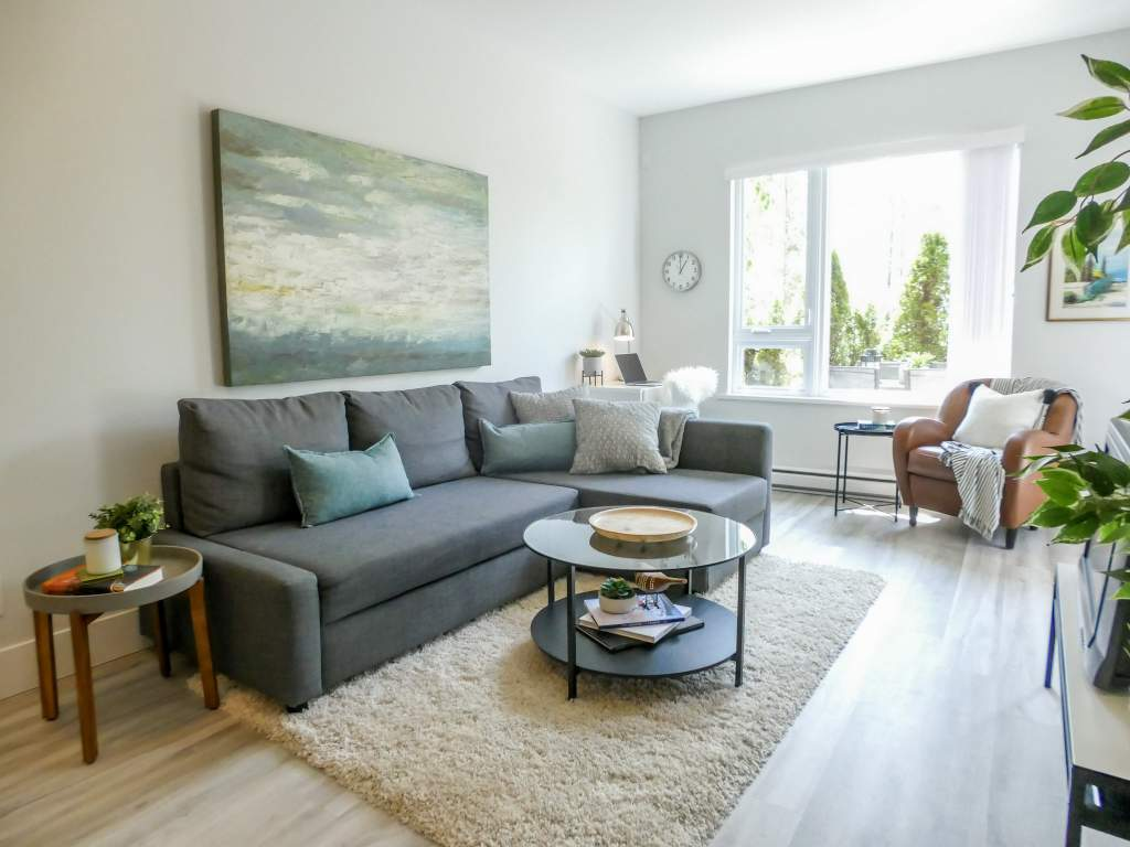 Squamish Apartment for rent, click for more details...