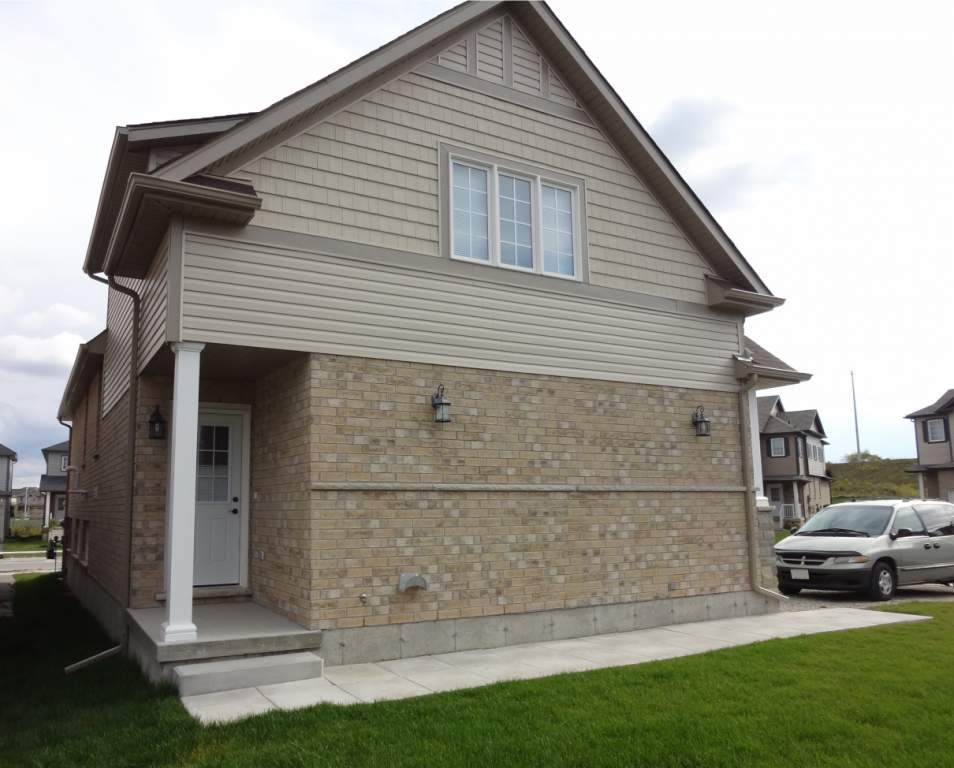 Kitchener House for rent, click for more details...