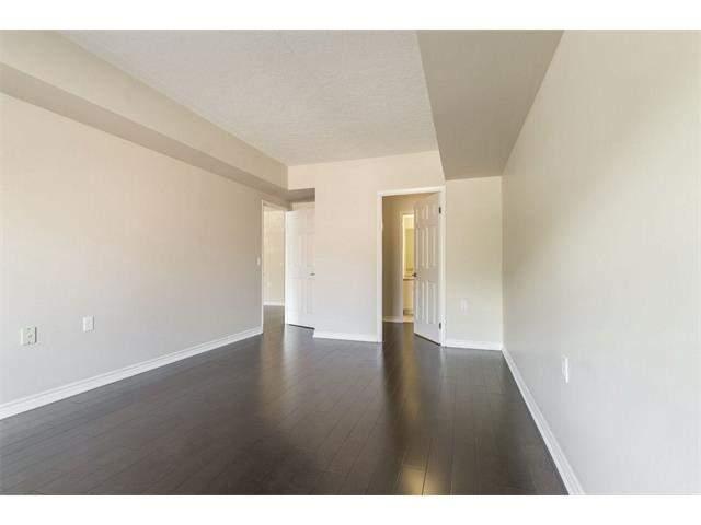405 Erb Street West