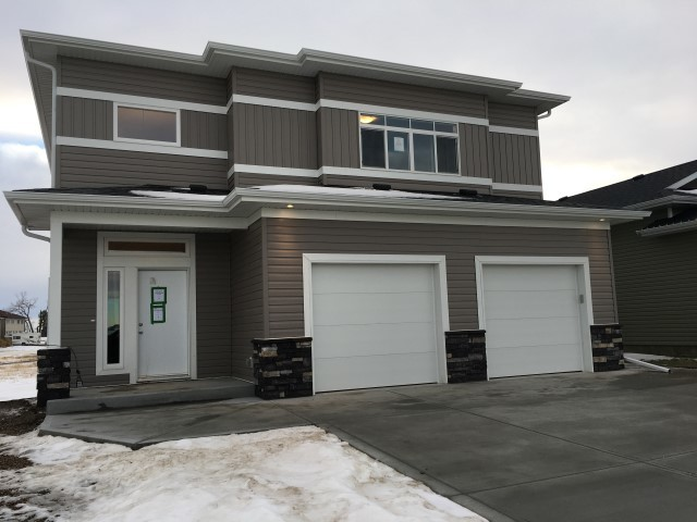 Blackfalds Duplex for rent, click for more details...