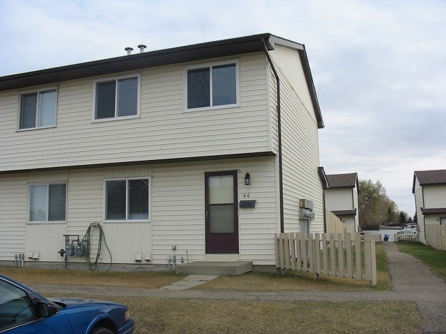 Red Deer Townhouse for rent, click for more details...