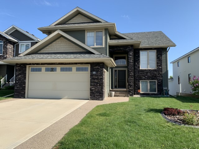 Lacombe House for rent, click for more details...