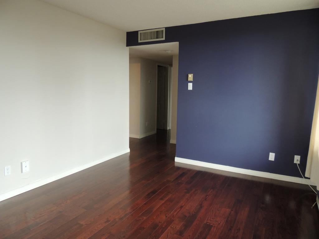 470 Laurier Avenue