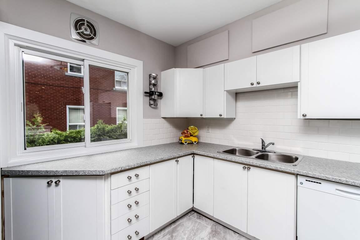 1221 Kitchener Avenue