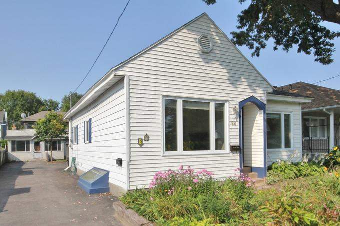 Ottawa House for rent, click for more details...