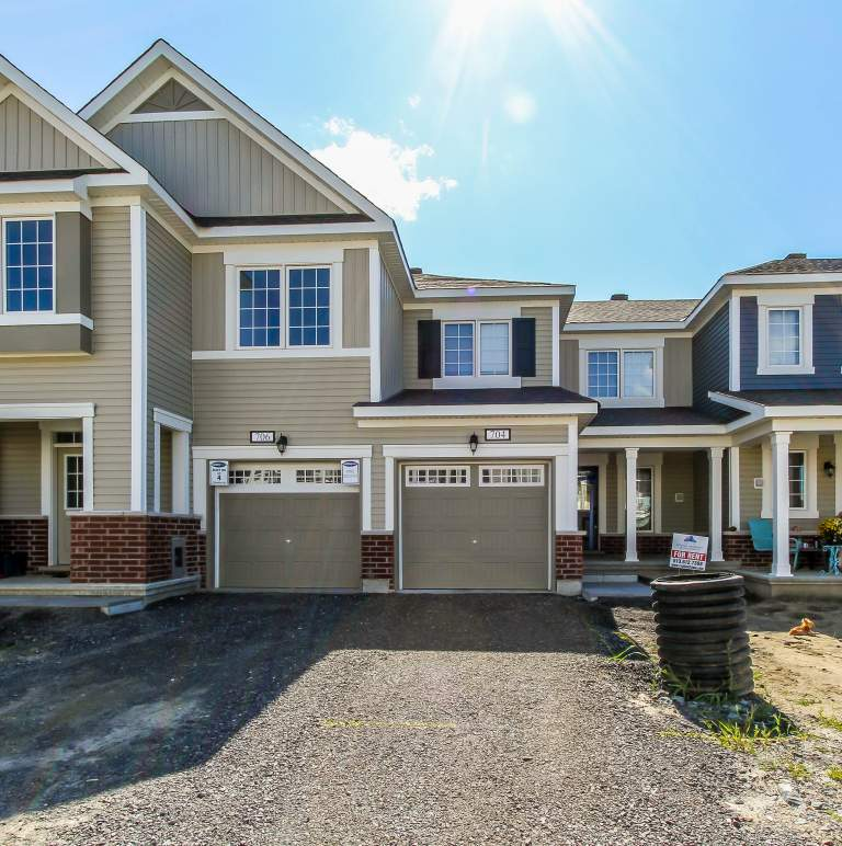 704 Juneberry Lane Stittsville ON K2V0K1