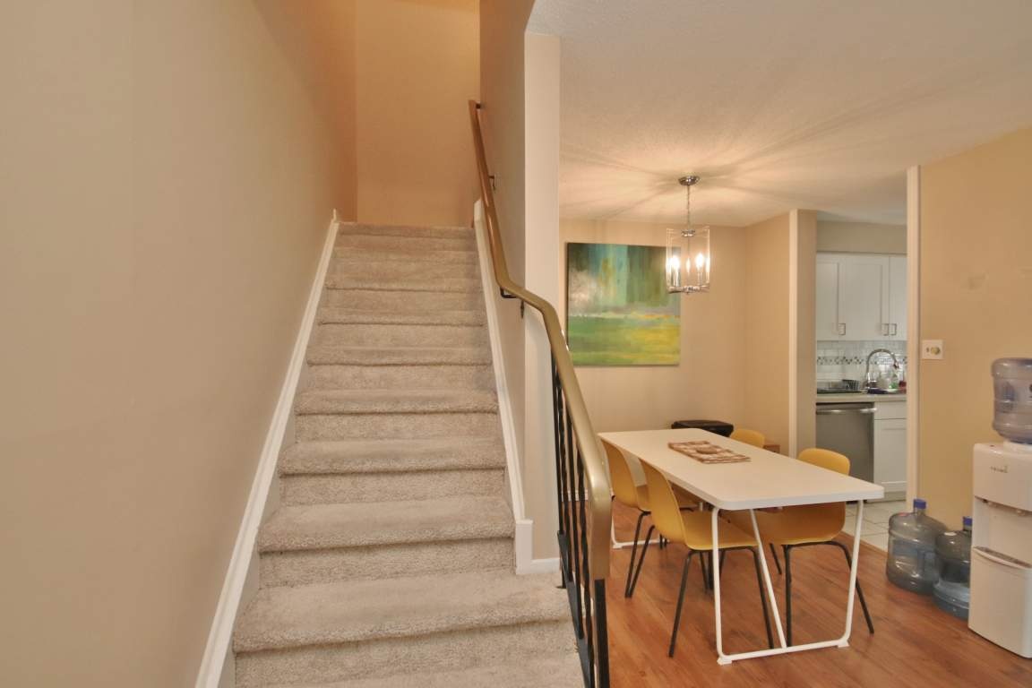 15A Forester Cres