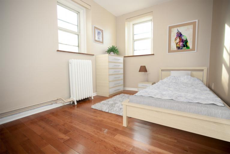 8385 staged bedroom