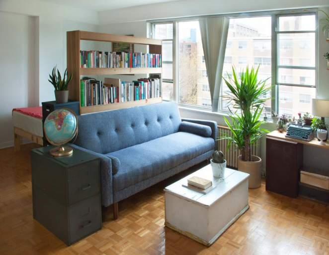 161 Bachelor - living room