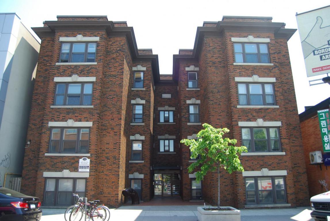 Annex apartment rentals at 723 Bloor St  West | Robinwood