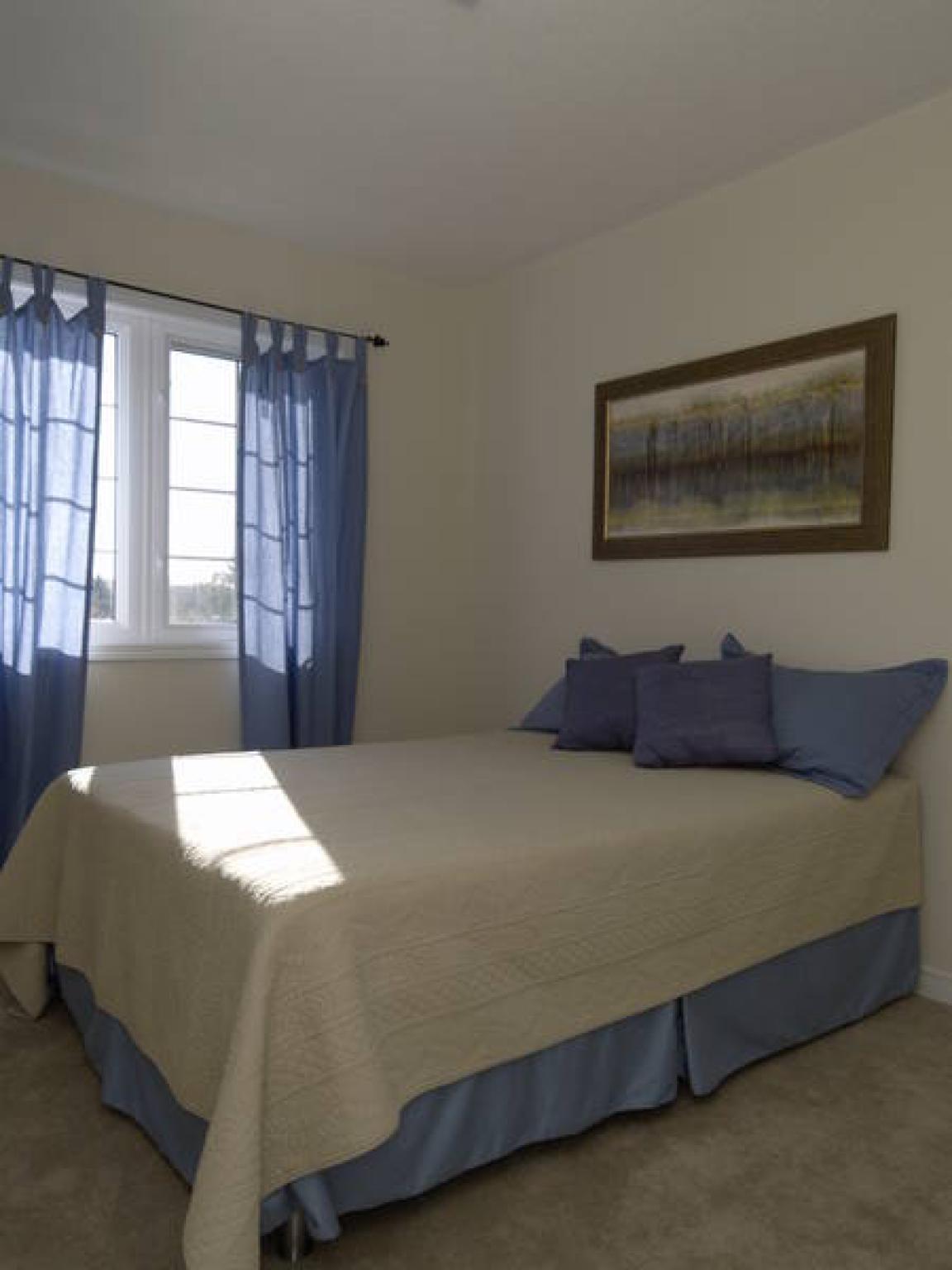 Room For Rent In Etobicoke Ontario