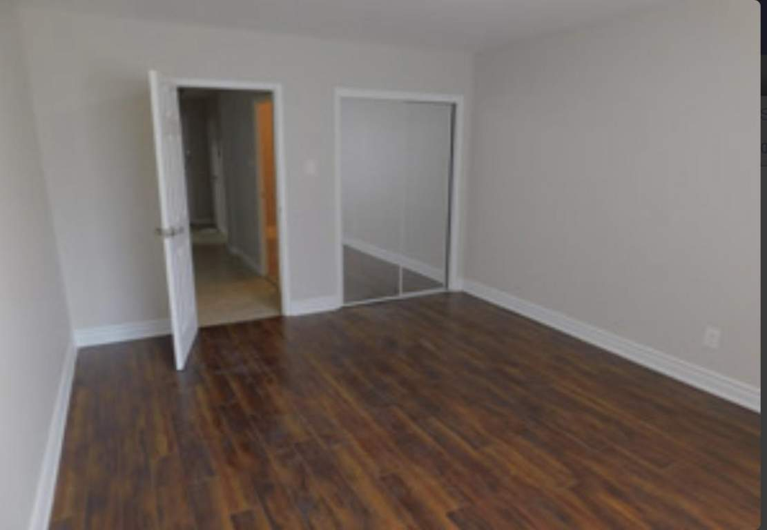 130 Cosburn Ave.Apartments