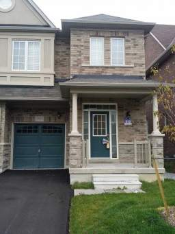 Home For Rent in  5533 Meadowcrest Avenue, Mississauga, ON