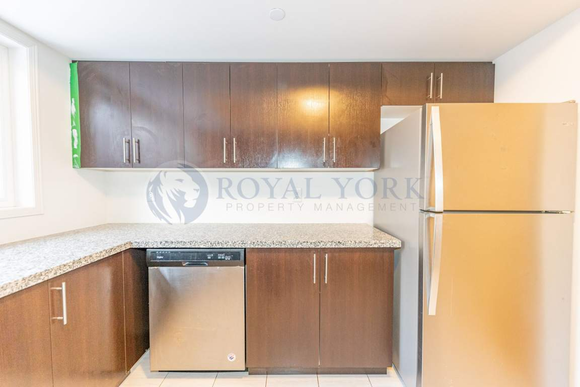 Oshawa Ontario Apartment For Rent