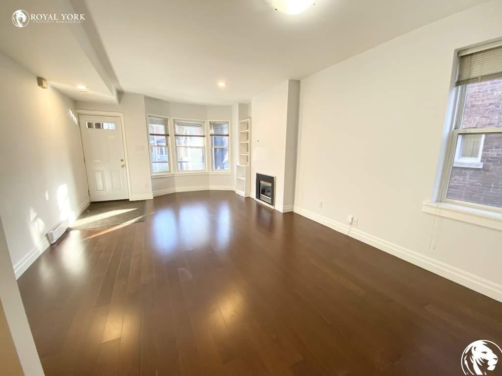 Toronto Triplex for rent, click for more details...