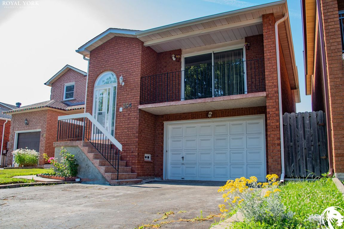 Vaughan House for rent, click for more details...