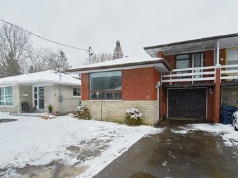 Home For Rent in  61 Darlingside Drive, Toronto, ON