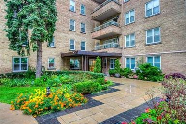 Home For Rent in  2603 Bathurst Street Unit 303, Toronto, ON